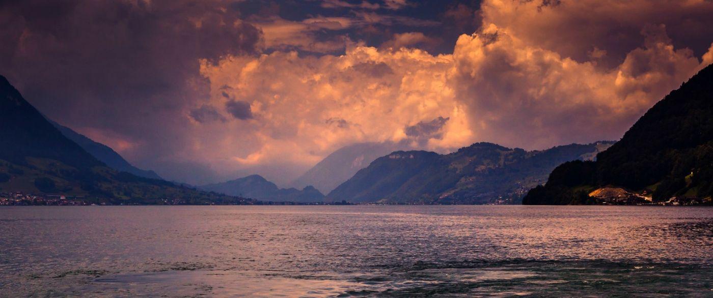 瑞士卢塞恩(Lucerne),拨开云雾见光明_图1-26