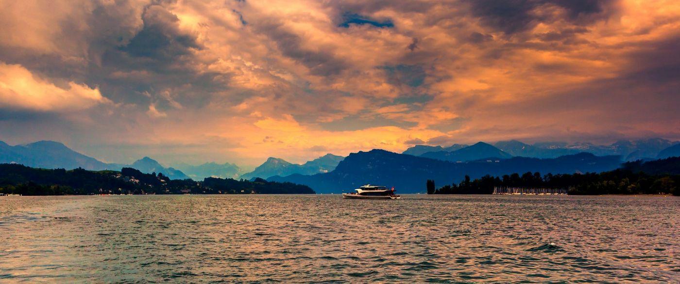 瑞士卢塞恩(Lucerne),拨开云雾见光明_图1-22