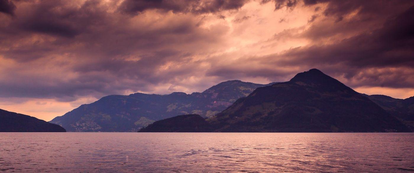 瑞士卢塞恩(Lucerne),拨开云雾见光明_图1-21