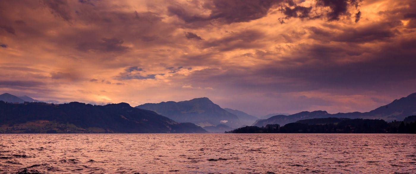 瑞士卢塞恩(Lucerne),拨开云雾见光明_图1-3