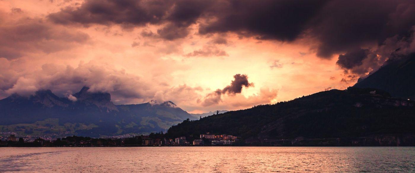 瑞士卢塞恩(Lucerne),拨开云雾见光明_图1-12