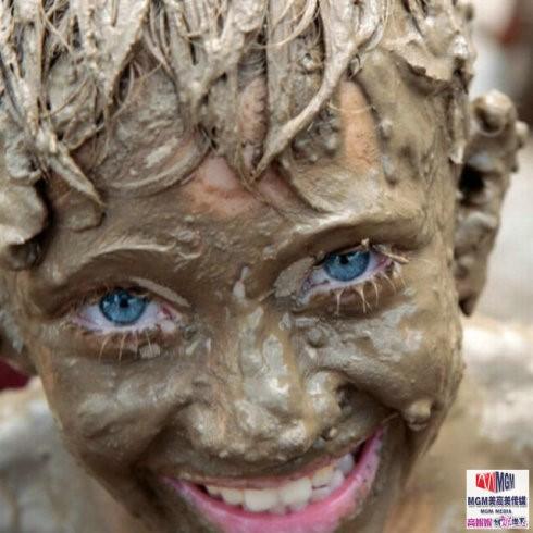 高娓娓:美国孩子暑假的另类消暑活动——泥巴节_图1-1