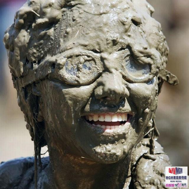 高娓娓:美国孩子暑假的另类消暑活动——泥巴节_图1-4