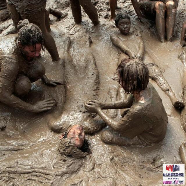高娓娓:美国孩子暑假的另类消暑活动——泥巴节_图1-5