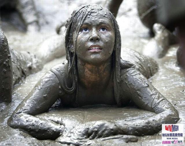 高娓娓:美国孩子暑假的另类消暑活动——泥巴节_图1-8