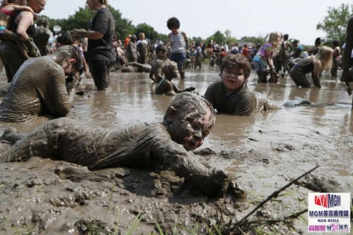 高娓娓:美国孩子暑假的另类消暑活动——泥巴节_图1-13