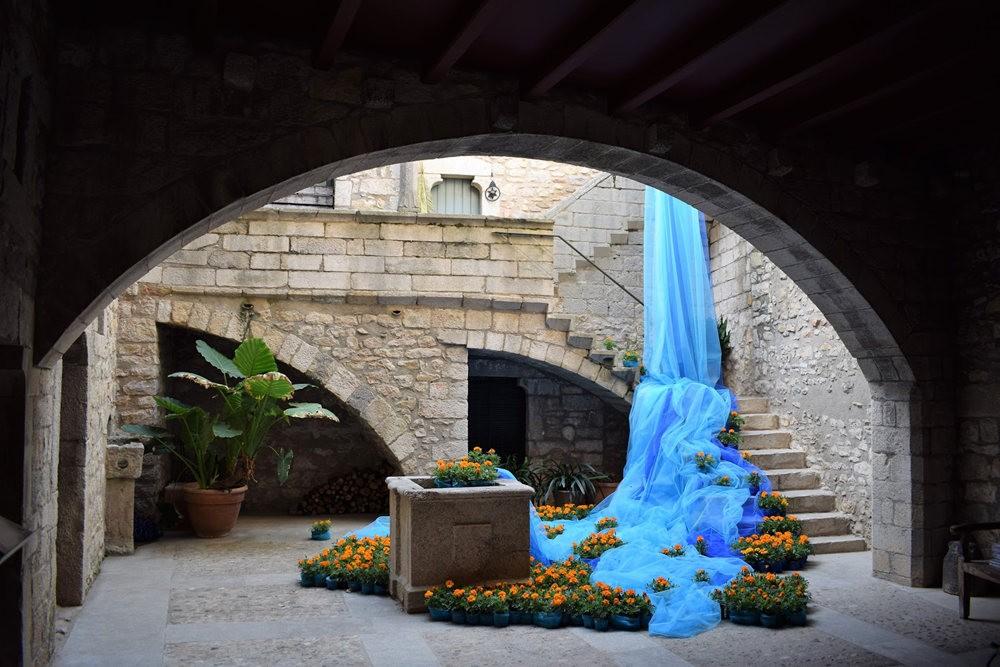 加泰罗尼亚小城--赫罗纳鲜花节  2_图1-2