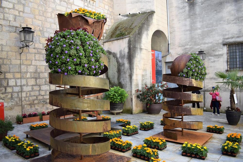 加泰罗尼亚小城--赫罗纳鲜花节  2_图1-3