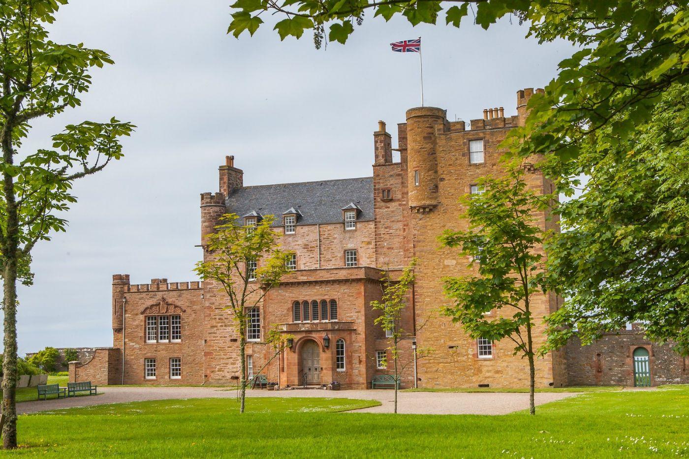 苏格兰梅城堡(Castle of Mey),五百年历史_图1-1