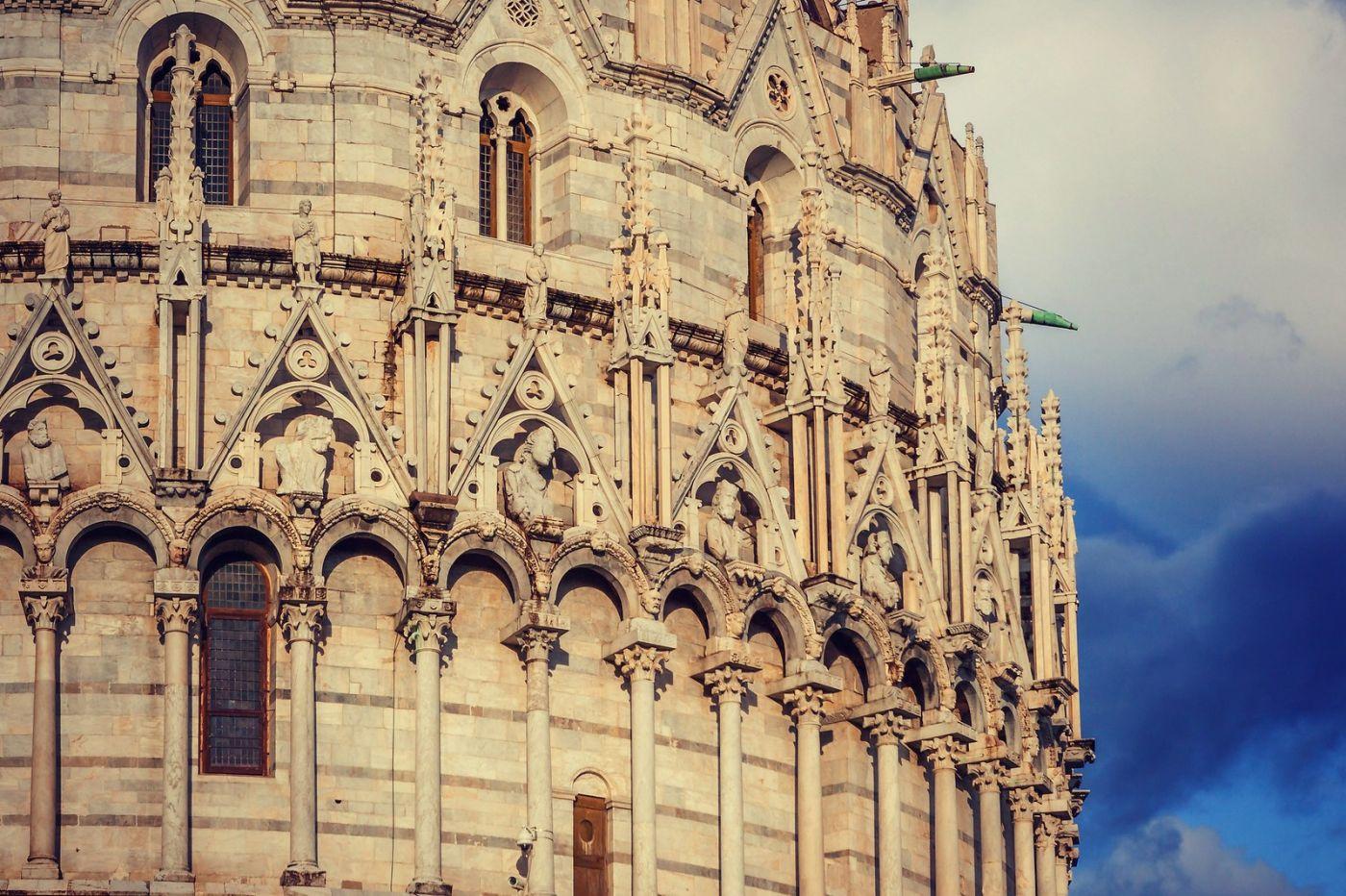 意大利比萨斜塔,塔旁的建筑群_图1-5