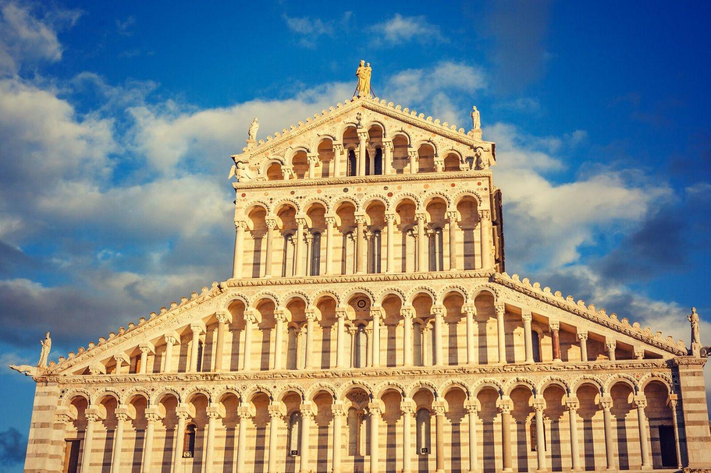 意大利比萨斜塔,塔旁的建筑群_图1-4