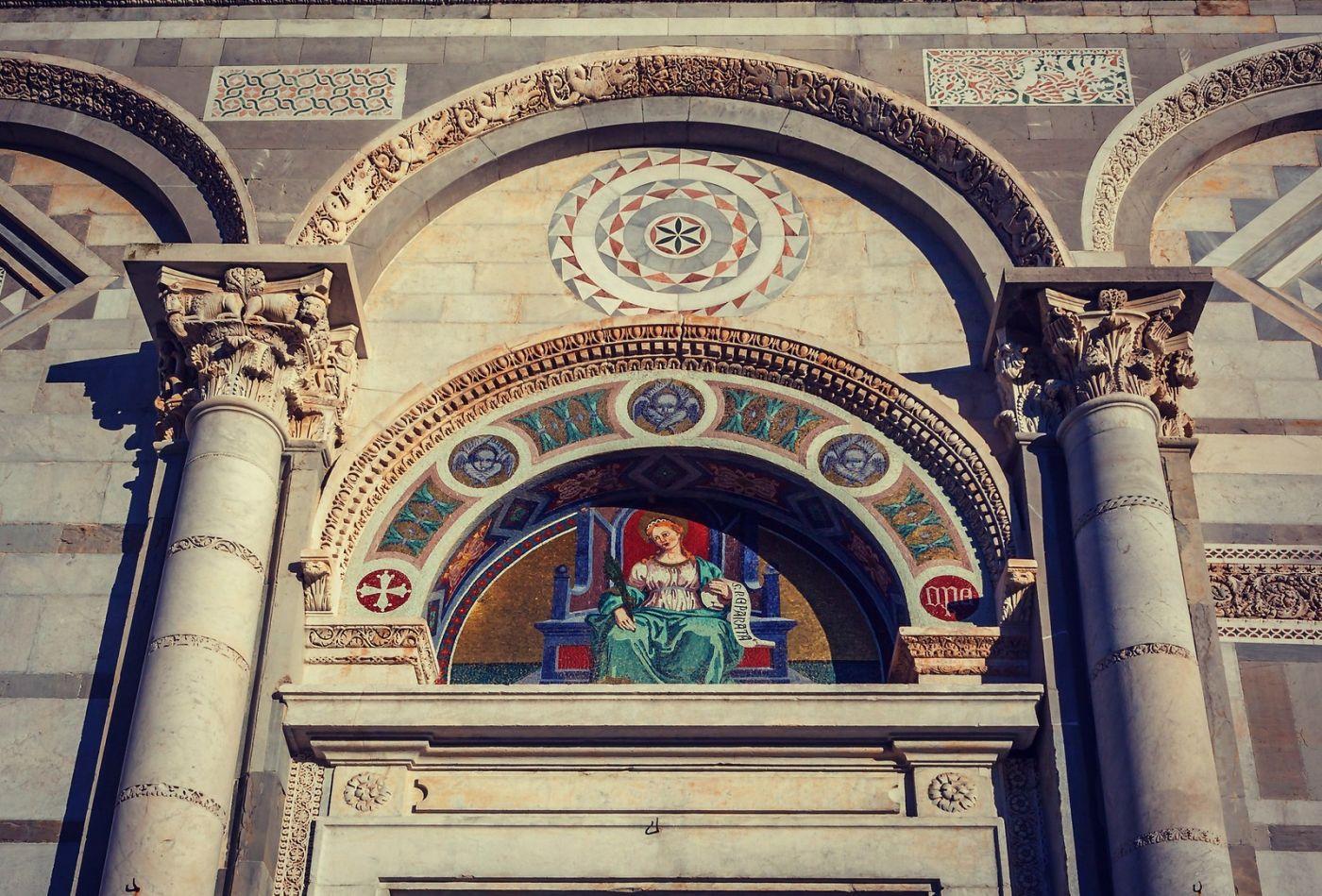 意大利比萨斜塔,塔旁的建筑群_图1-12
