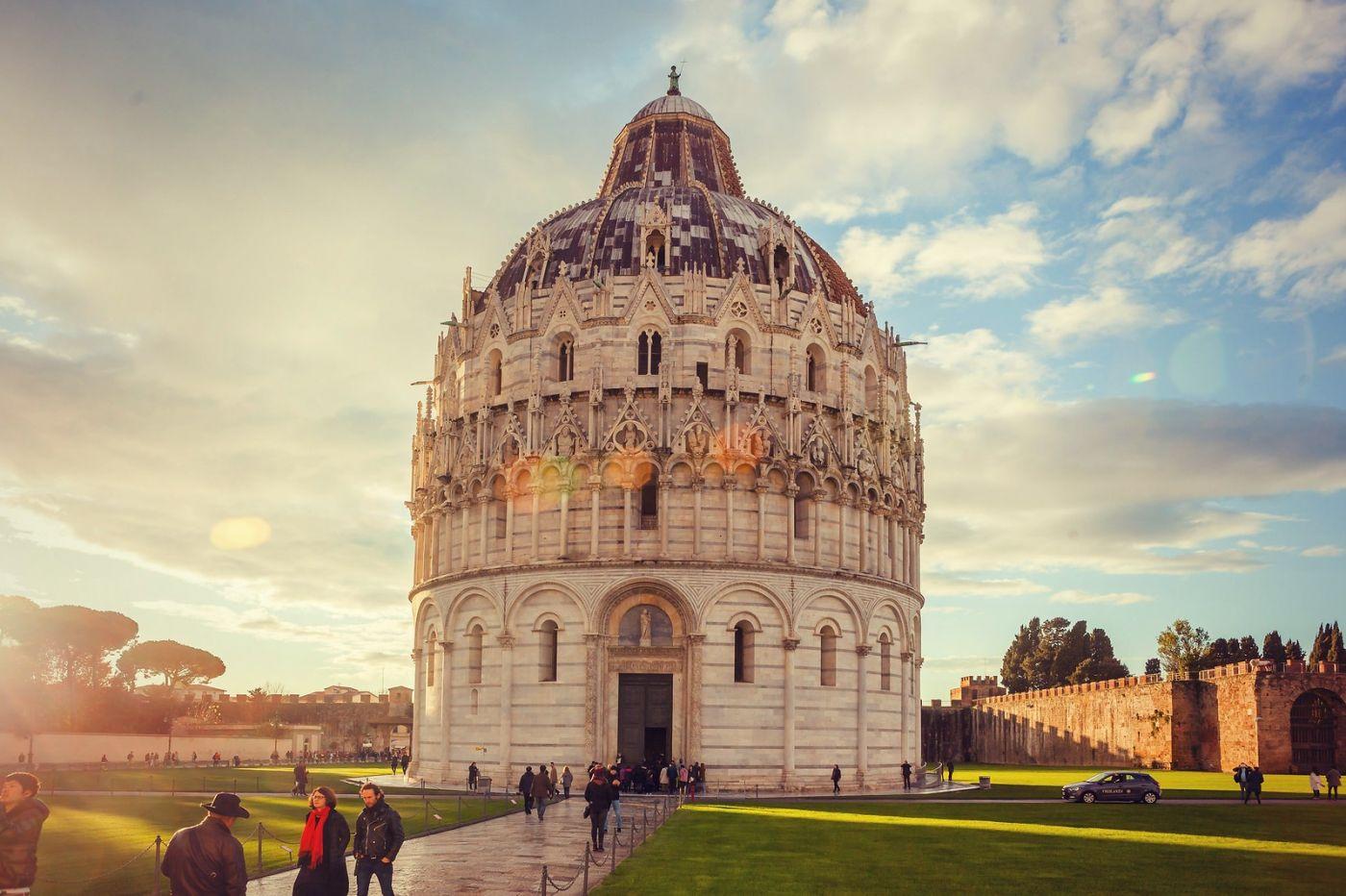 意大利比萨斜塔,塔旁的建筑群_图1-19