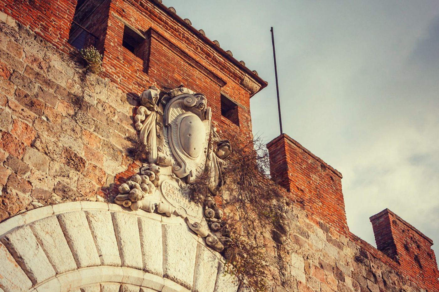 意大利比萨斜塔,塔旁的建筑群_图1-24
