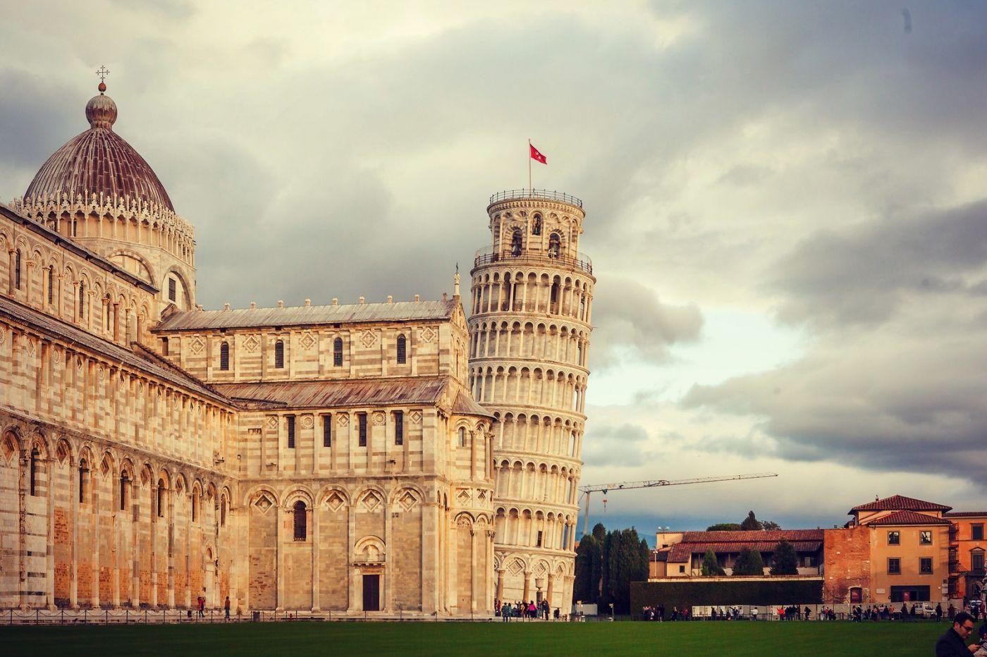 意大利比萨斜塔,塔旁的建筑群_图1-26