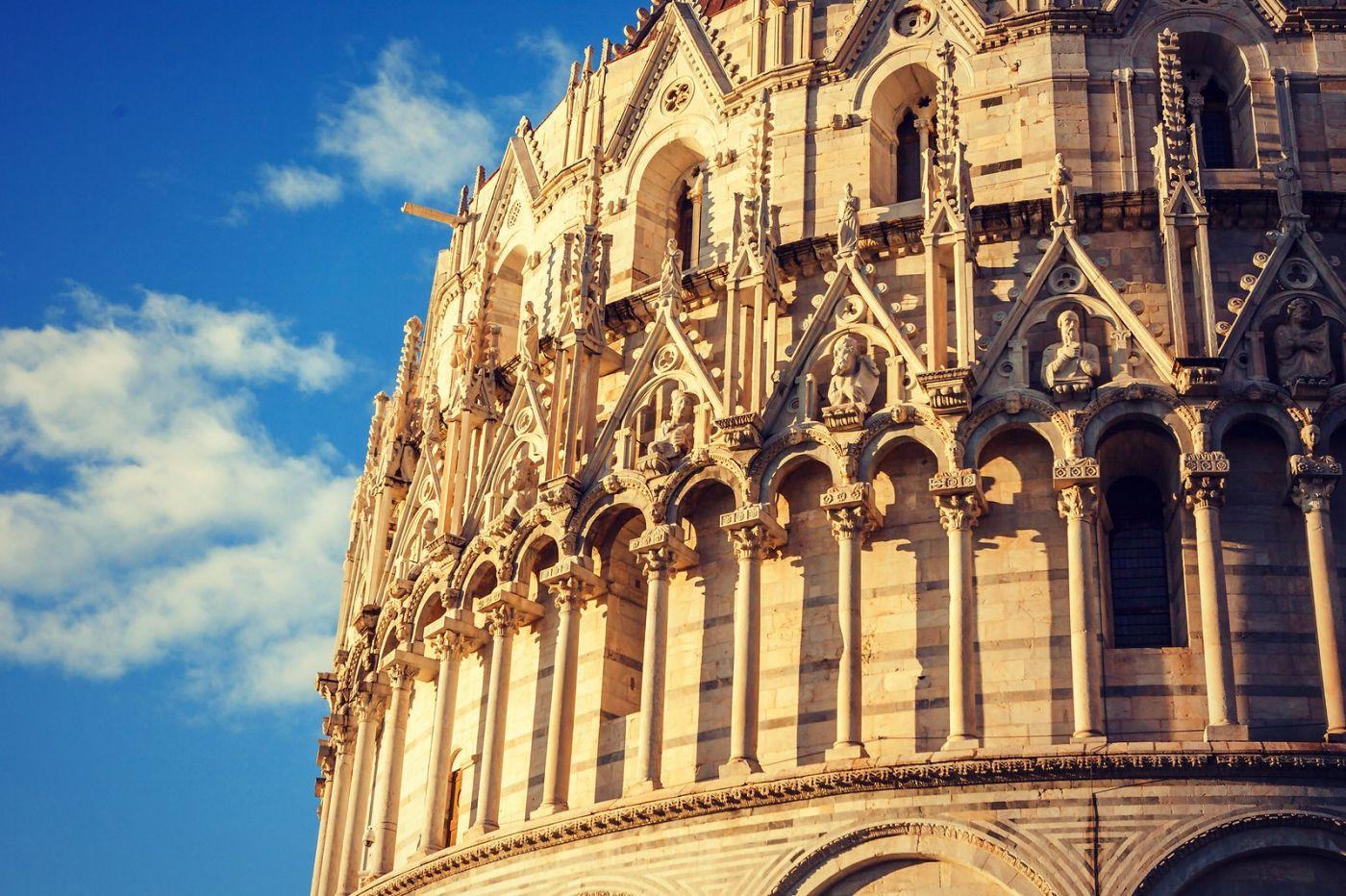 意大利比萨斜塔,塔旁的建筑群_图1-28