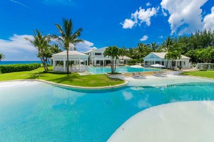 高娓娓:美国人度假喜欢以猪为伍?奇趣巴哈马,全球唯一被猪占领的岛,禁止人类居住 ..._图1-8