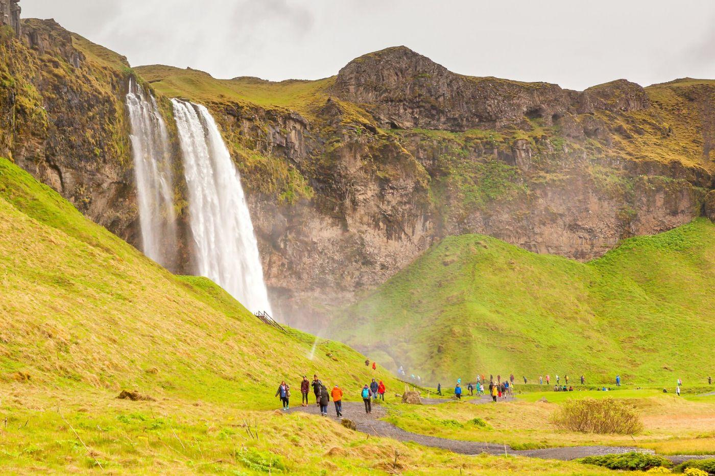 冰岛塞里雅兰瀑布(Seljalandsfoss),半空而下_图1-20
