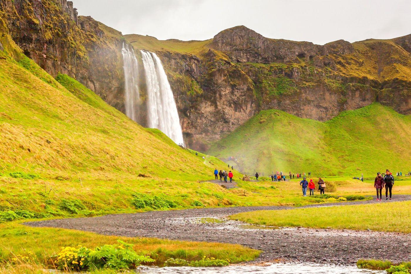 冰岛塞里雅兰瀑布(Seljalandsfoss),半空而下_图1-12