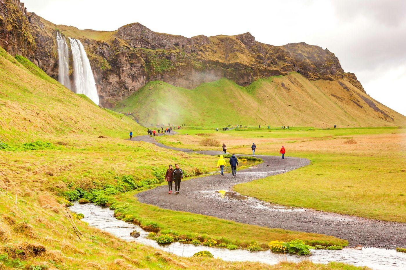 冰岛塞里雅兰瀑布(Seljalandsfoss),半空而下_图1-9