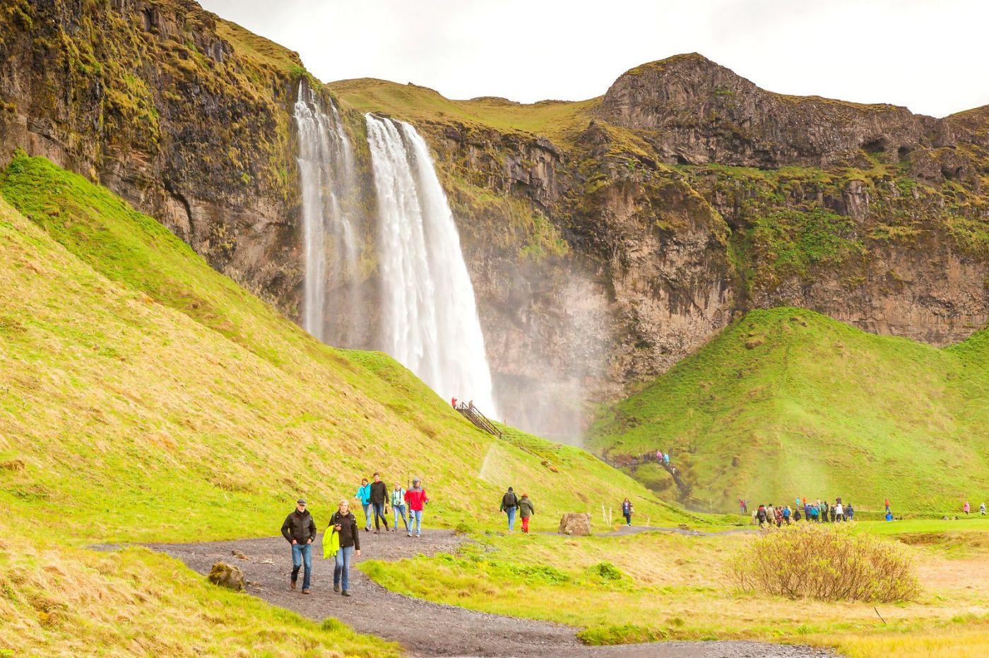 冰岛塞里雅兰瀑布(Seljalandsfoss),半空而下_图1-3