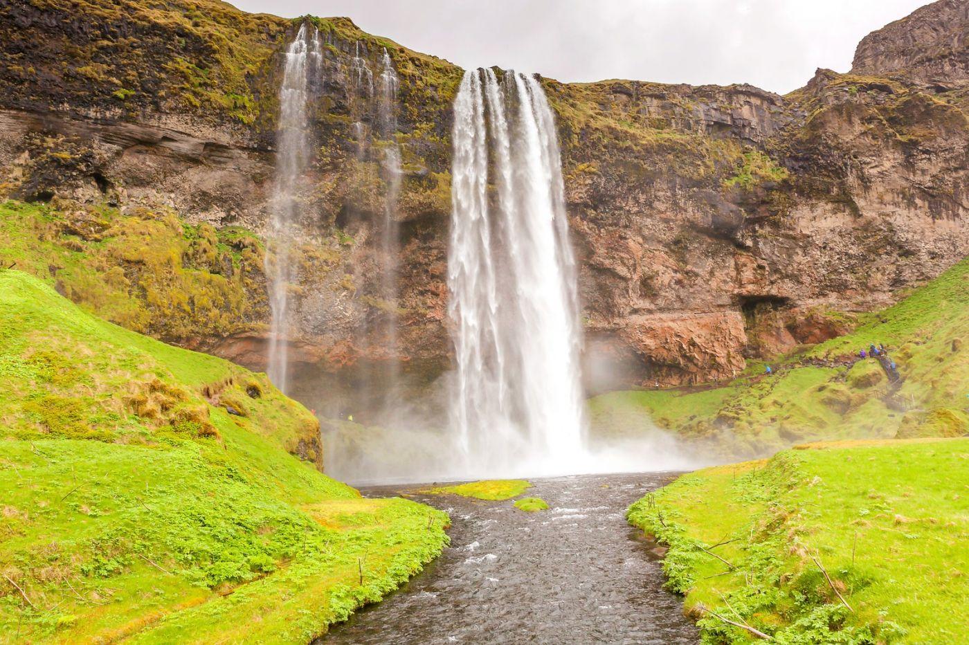 冰岛塞里雅兰瀑布(Seljalandsfoss),半空而下_图1-6