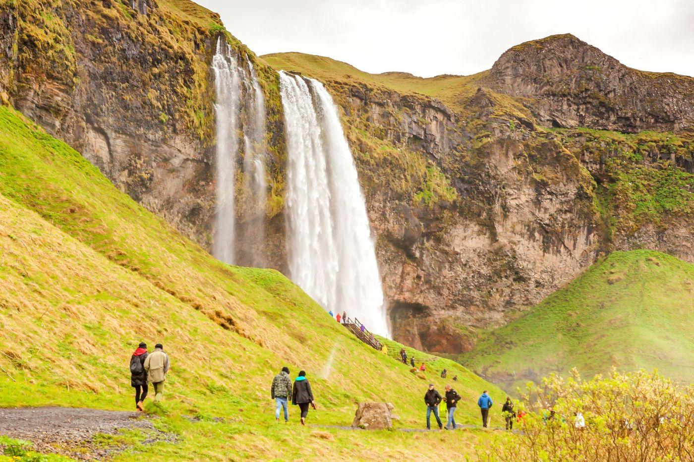 冰岛塞里雅兰瀑布(Seljalandsfoss),半空而下_图1-8