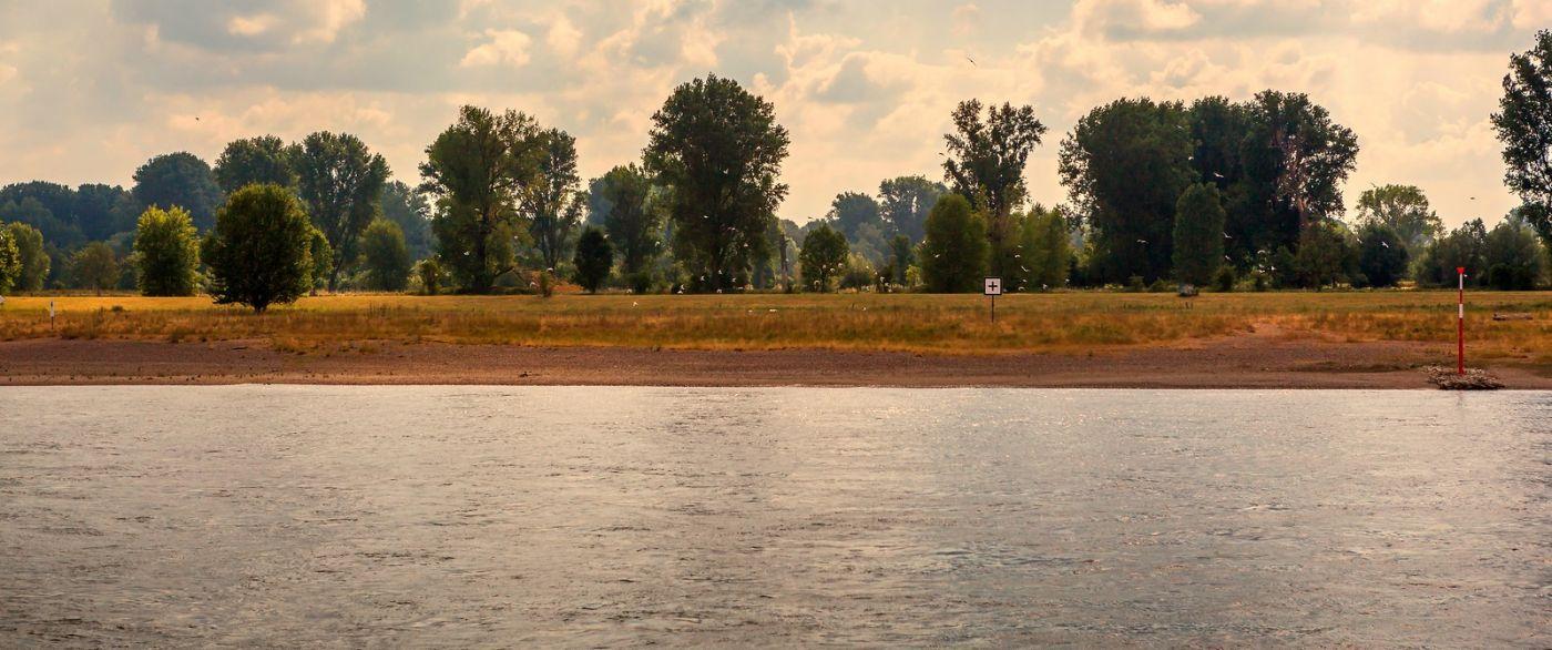畅游莱茵河,两岸欣欣向荣_图1-37