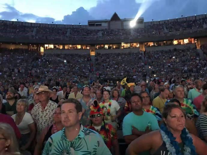 高娓娓︰活力四射的美國搖滾大爺——老牌傳奇歌星JimmyBuffett演唱會 ..._圖1-13
