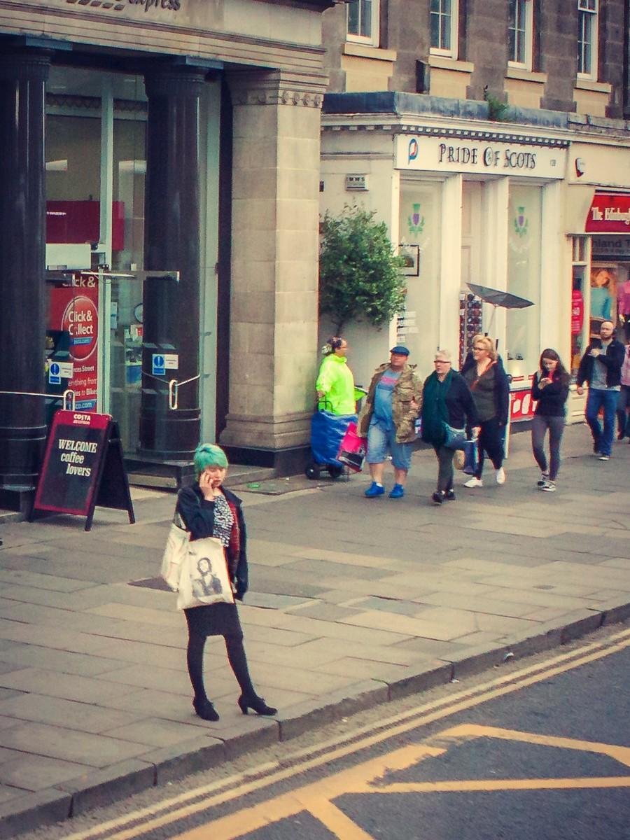 苏格兰爱丁堡,街上行人_图1-33