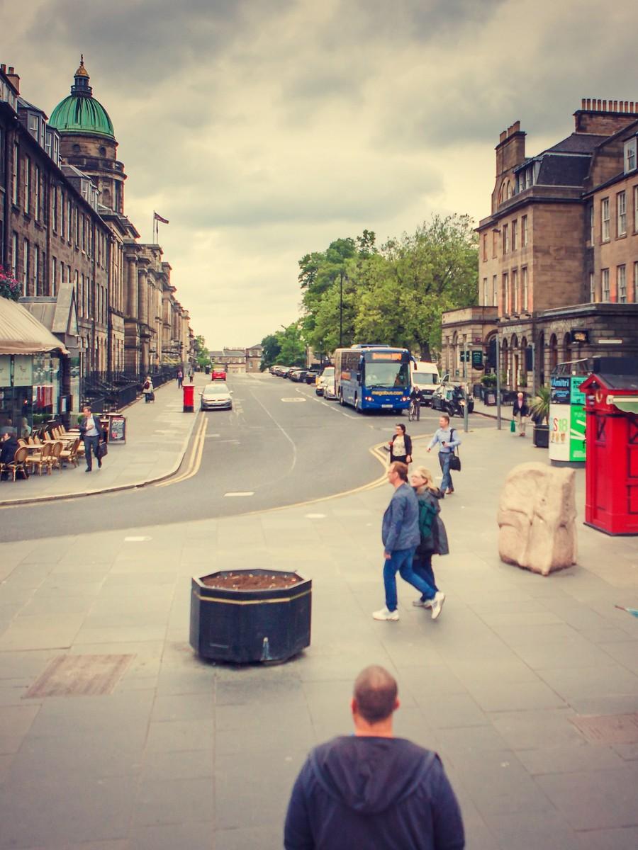 苏格兰爱丁堡,街上行人_图1-19