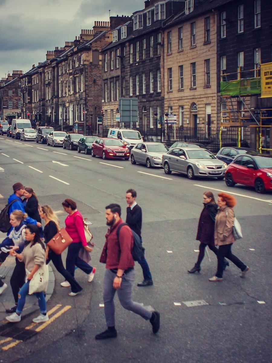 苏格兰爱丁堡,街上行人_图1-13