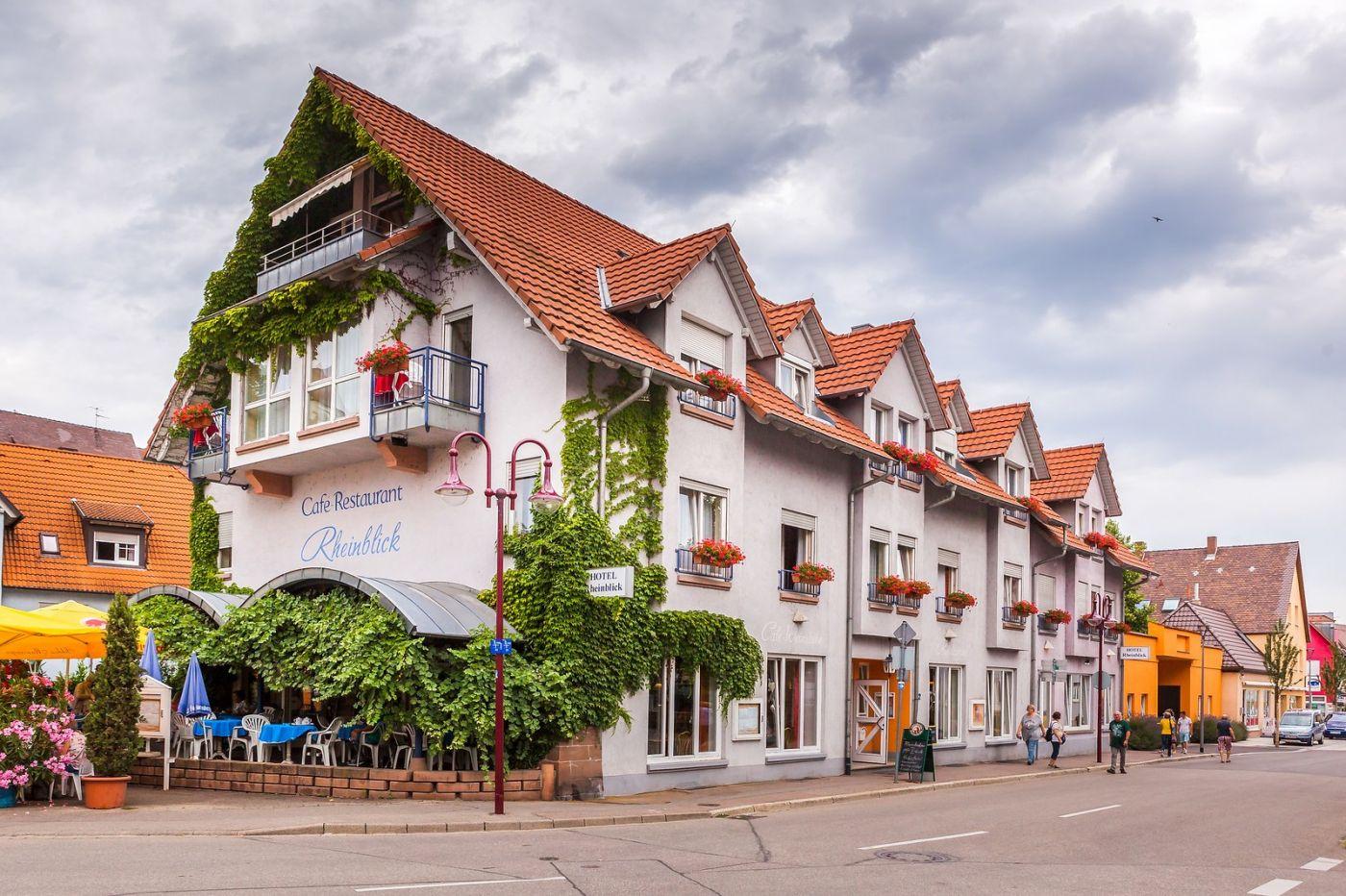 德国布赖萨赫(Breisach),城小历史久_图1-27