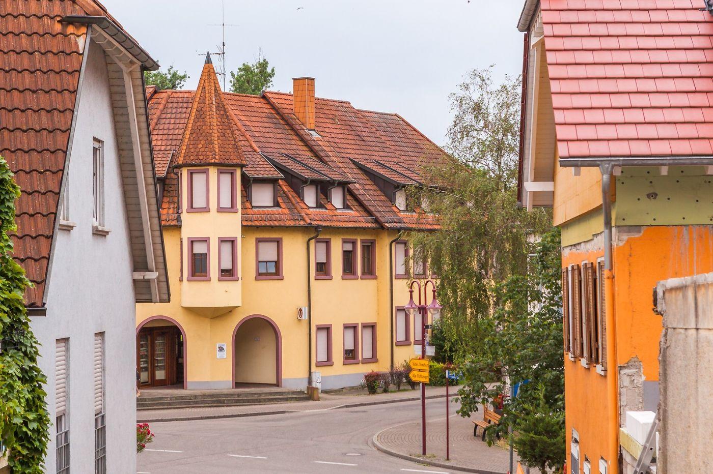 德国布赖萨赫(Breisach),城小历史久_图1-22