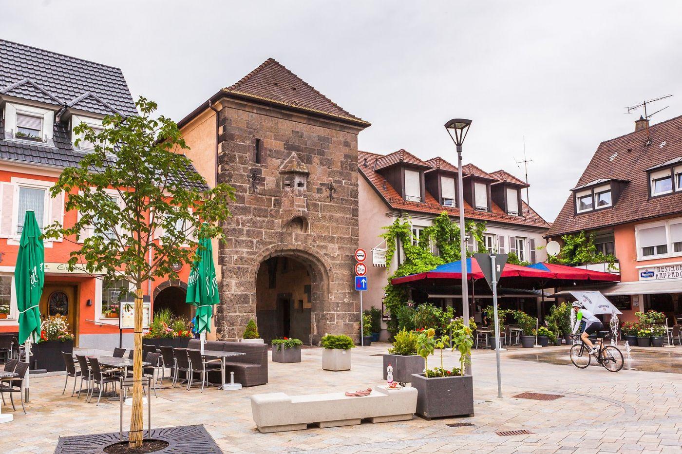 德国布赖萨赫(Breisach),城小历史久_图1-16
