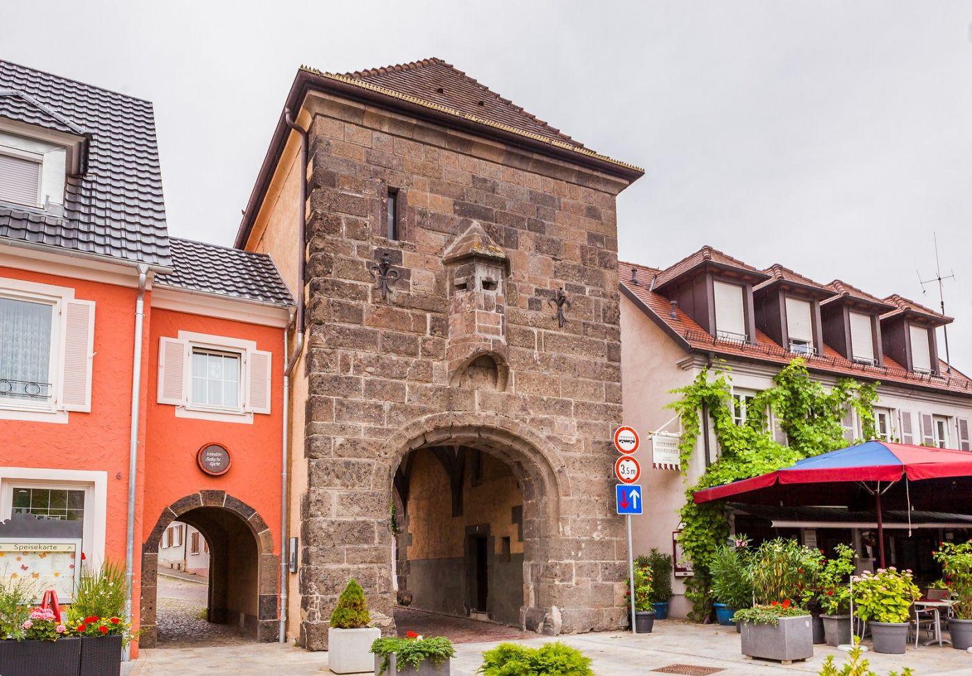 德国布赖萨赫(Breisach),城小历史久_图1-10