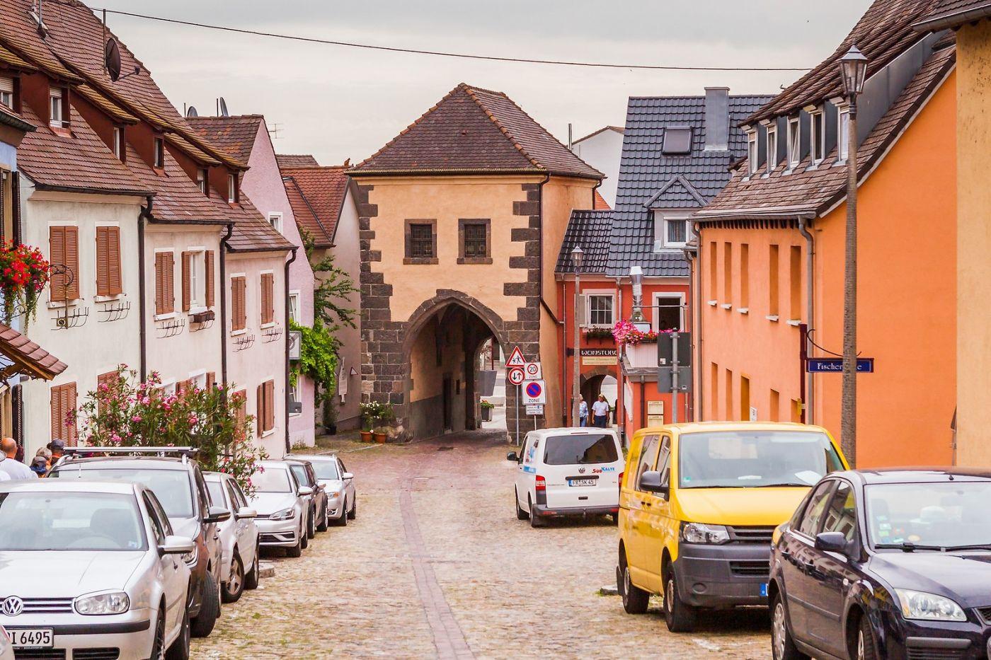 德国布赖萨赫(Breisach),城小历史久_图1-12