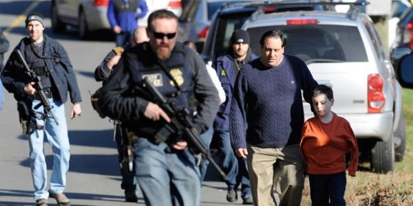 高娓娓:枪击案下看美国人如何保护自己_图1-2