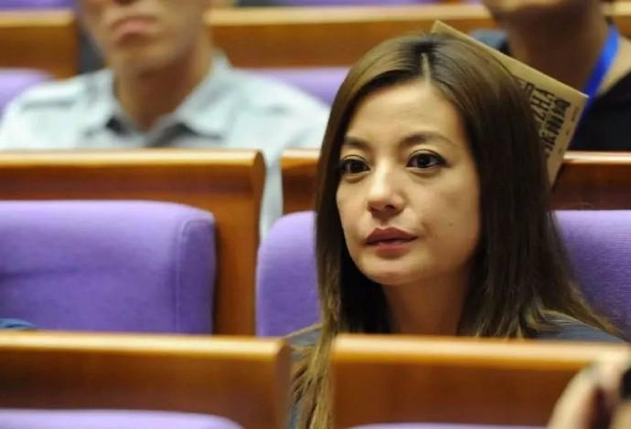美女赵薇打官司又输了,败诉 累计被索赔超5700万元_图1-1
