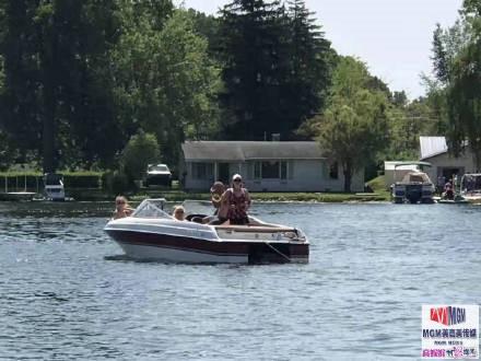 高娓娓:美国人的另类水上生活,吃饭、八卦、派对都在船上 ..._图1-11