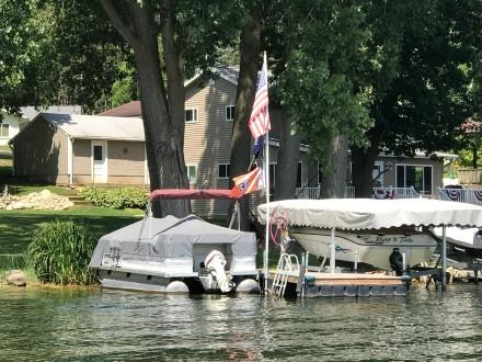 高娓娓:美国人的另类水上生活,吃饭、八卦、派对都在船上 ..._图1-12