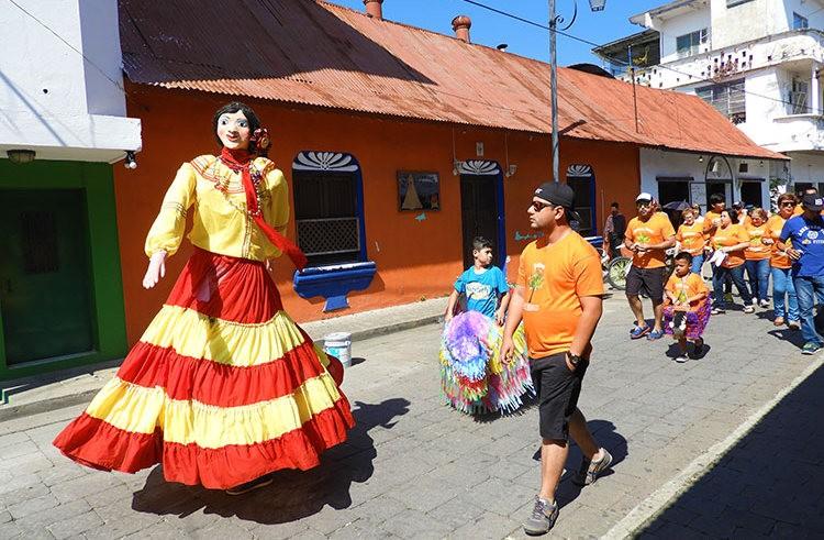 安提瓜----危地马拉的城镇_图1-19