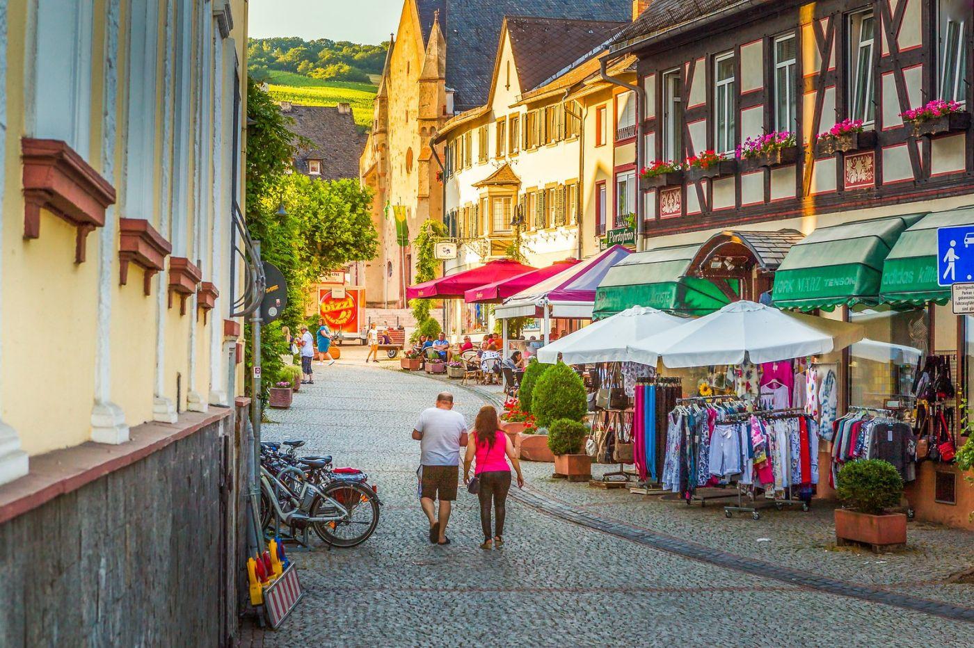 德国吕德斯海姆(Rudesheim),莱茵河畔的小镇_图1-5