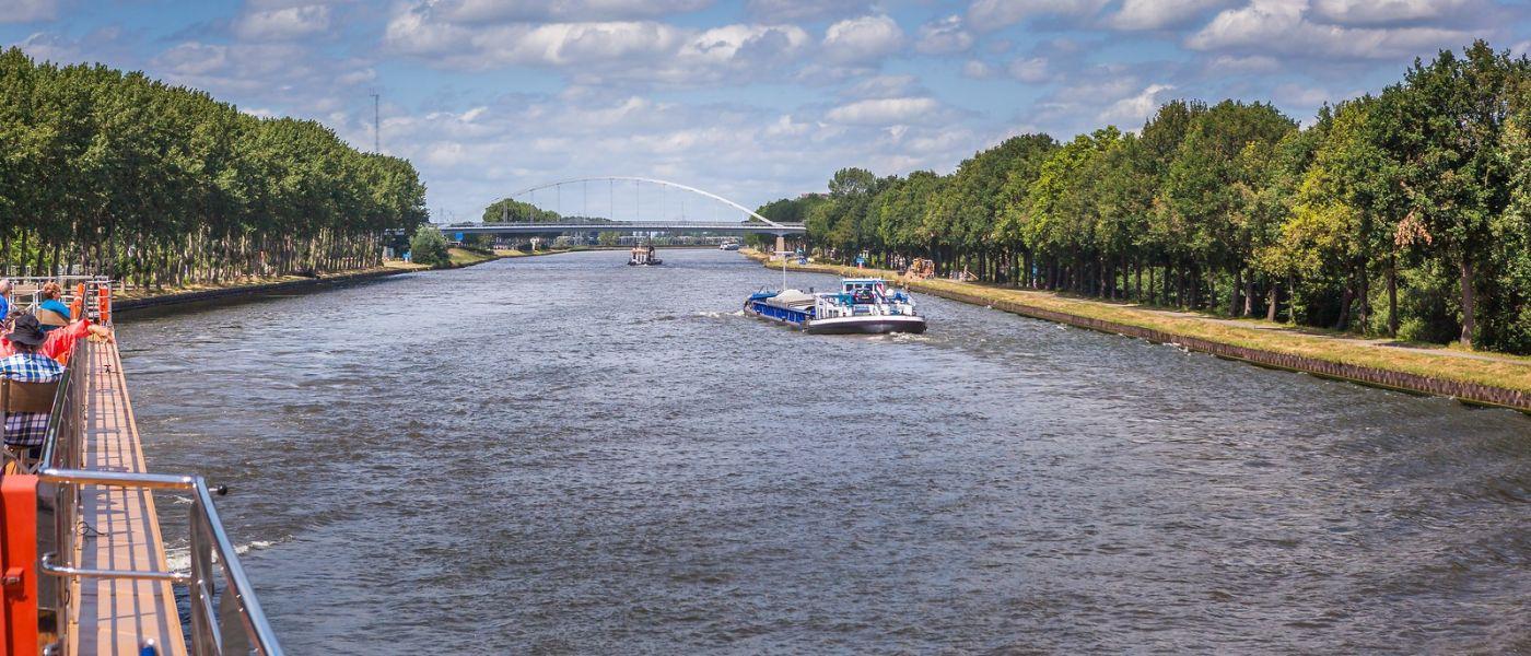 畅游莱茵河,流动的音符_图1-8