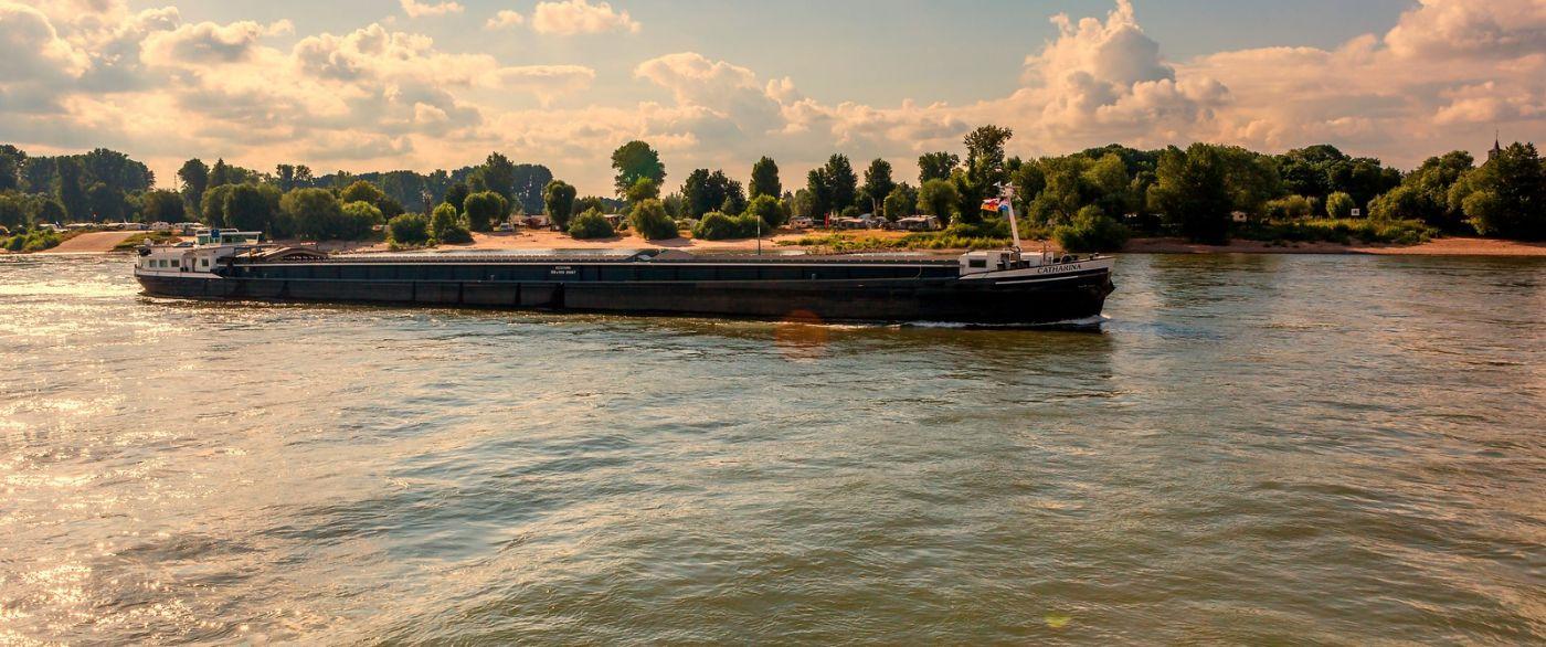 畅游莱茵河,流动的音符_图1-17