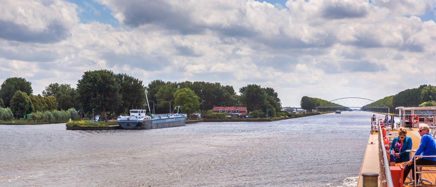 畅游莱茵河,流动的音符_图1-31