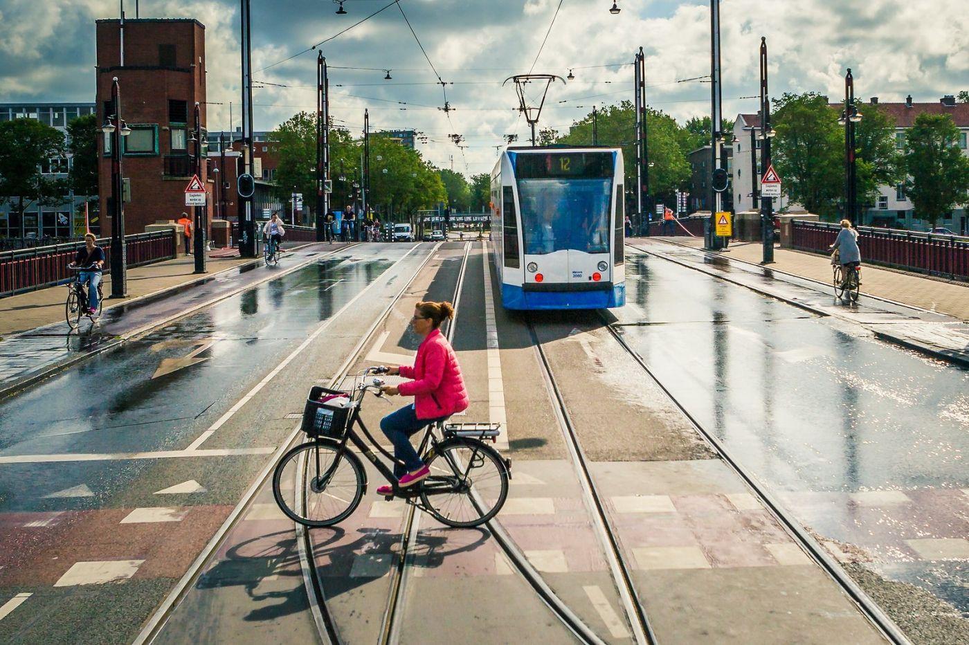 荷兰阿姆斯特丹,穿梭的自行车_图1-31
