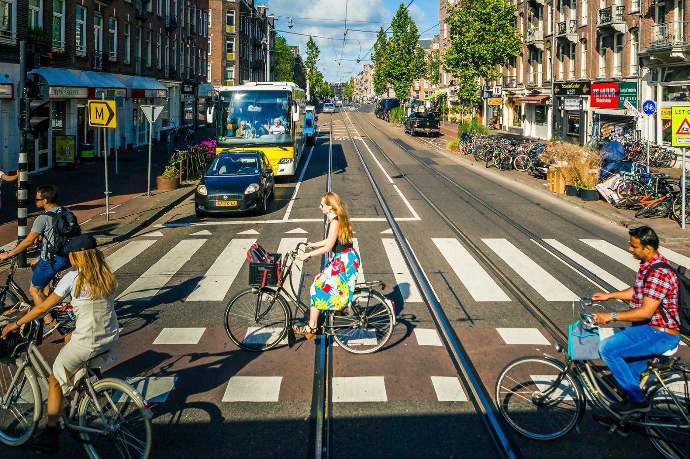 荷兰阿姆斯特丹,穿梭的自行车_图1-25