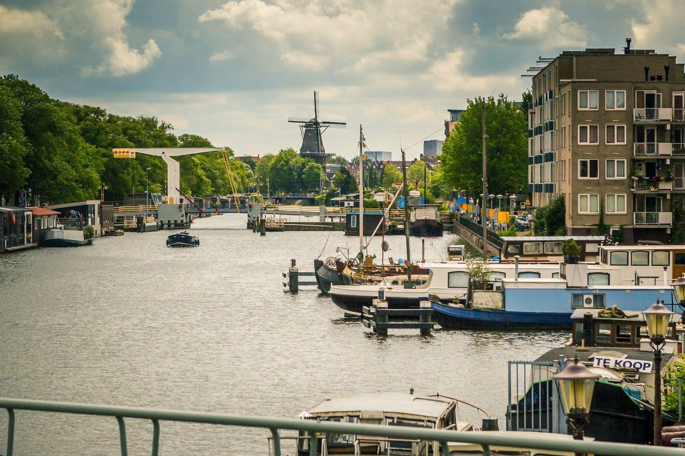 荷兰阿姆斯特丹,穿梭的自行车_图1-17