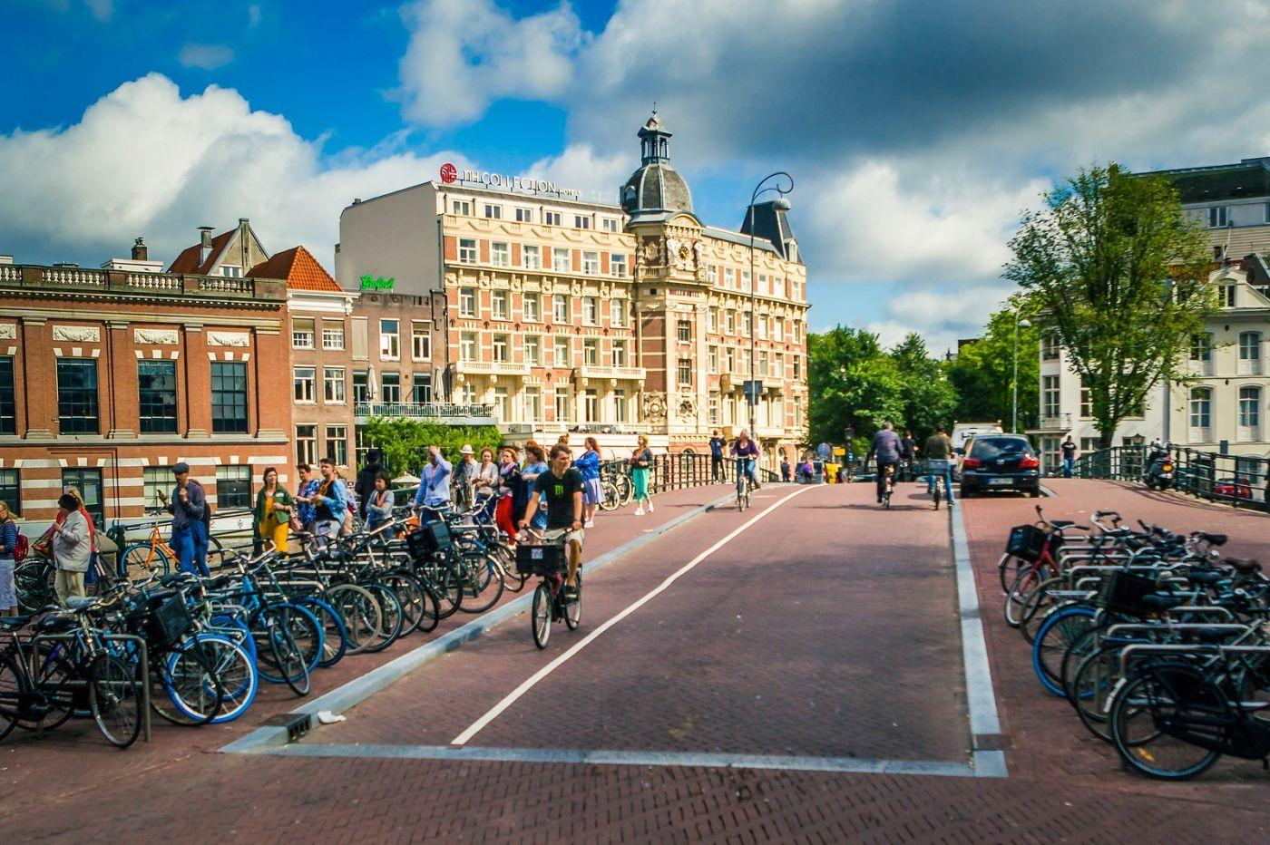 荷兰阿姆斯特丹,穿梭的自行车_图1-16